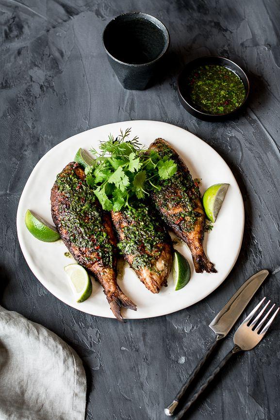 Mit Cayennepfeffer und Mandeln verfeinert, ist dieses Fischgratin aus Frankreich ein besonderer Genuss!