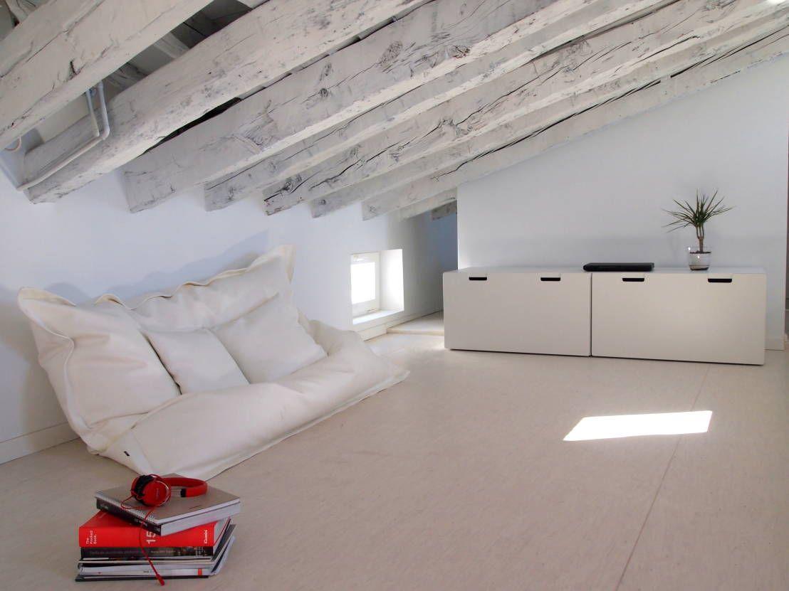 Moderna buhardilla en pleno centro de madrid altillo - Habitaciones en buhardillas ...