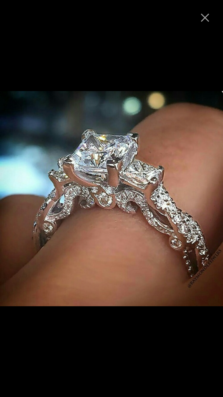 Stunning engagement ring with princess diamonds vintage style ring