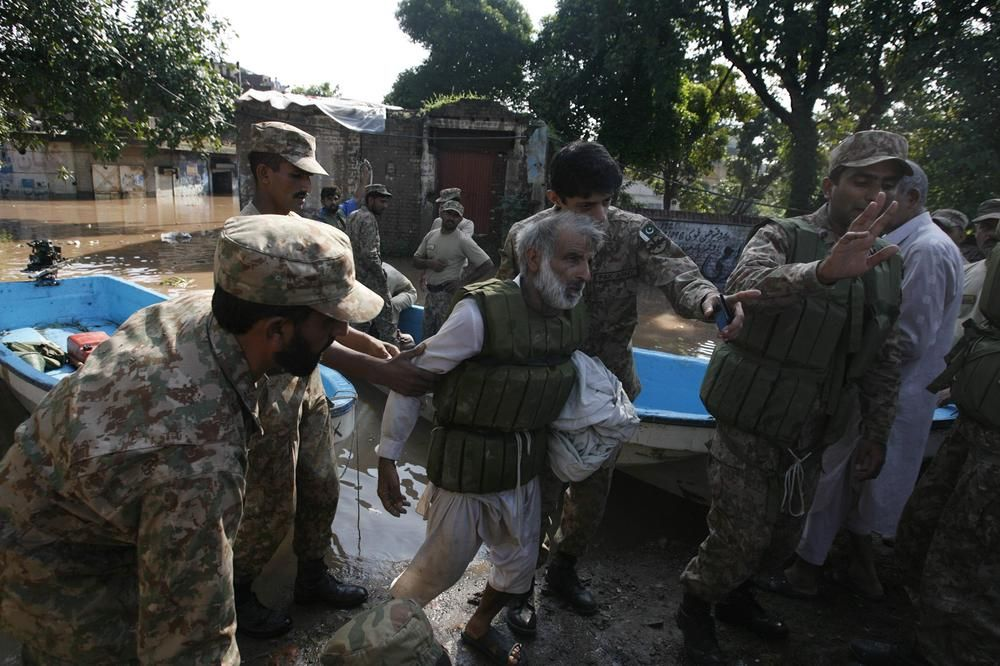 In Pictures Kashmir And Pakistan Floods In Pictures Al