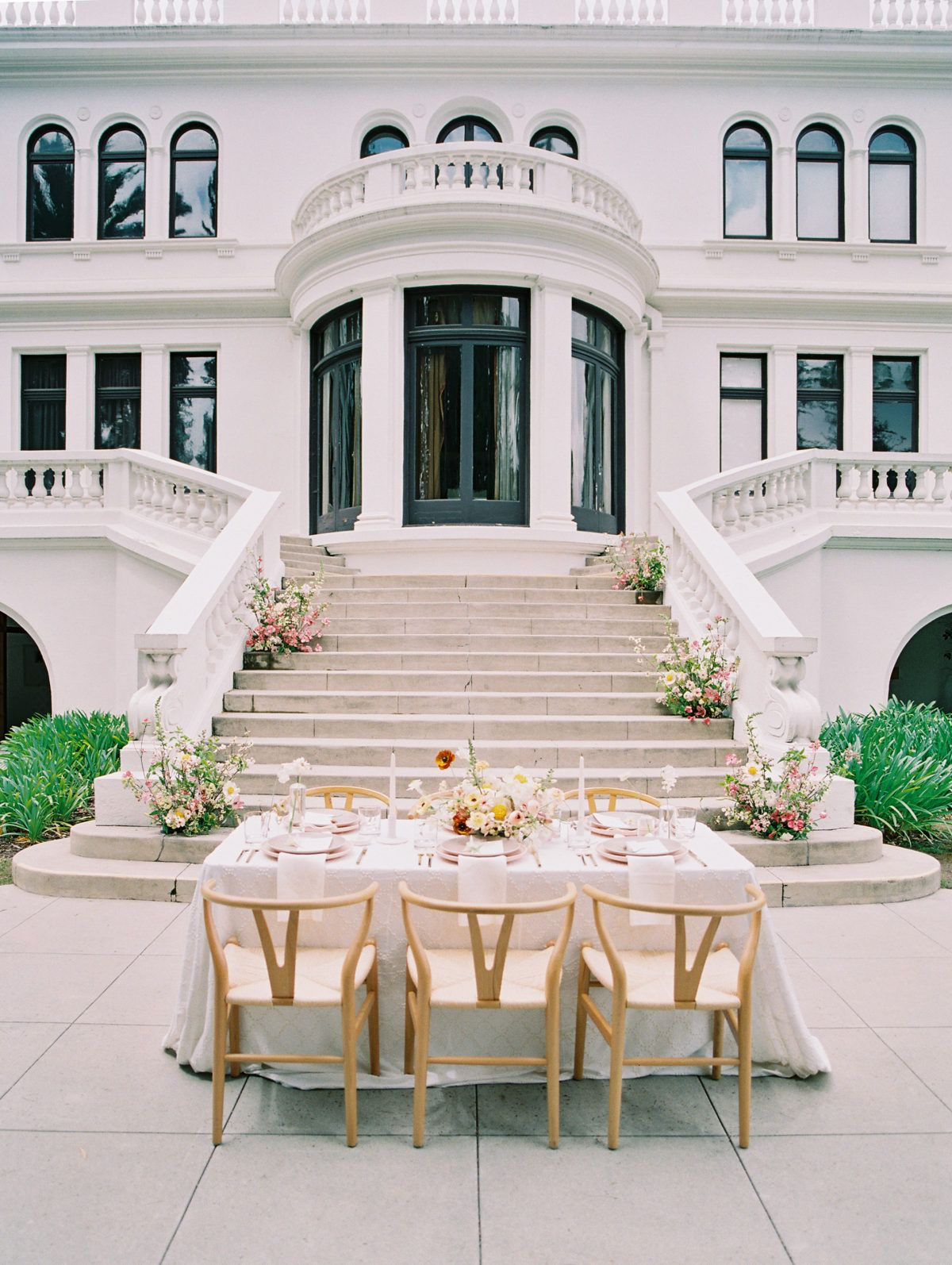 A bright color scheme inspired by the beauty of california