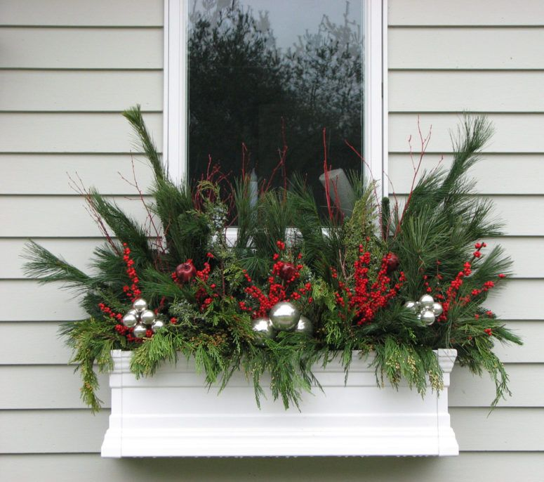 awesome christmas window decor ideas | New apt holiday decorating ...