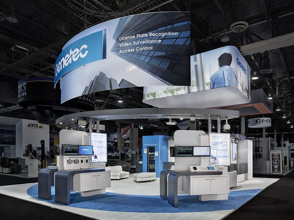 Custom Exhibition Stand Ideas : The open and inviting design in this trade show booth
