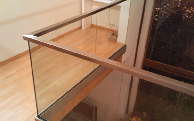 Best 25 garde corps alu ideas on pinterest balustrade for Main courante escalier exterieur