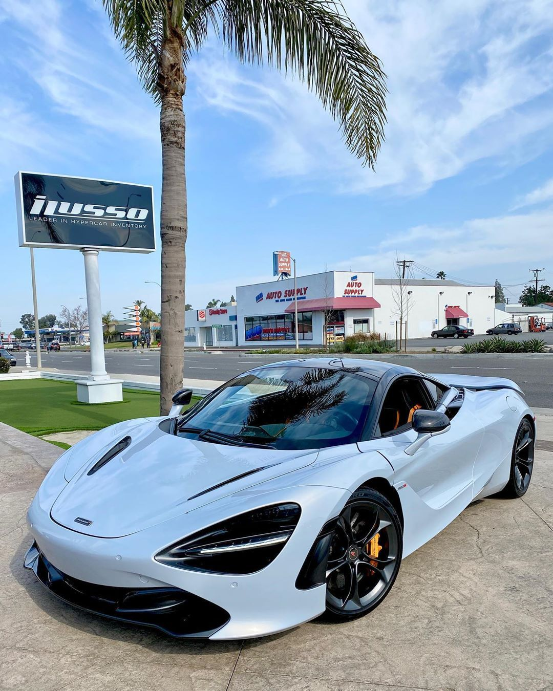 Supercars Gallery: Mclaren 720s Off White