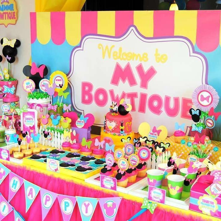 عندج حفلة عيدميلاد لبنتج او ولدج محتاره ماتعرفين اي ثيم تختارين تبين شراشف حق طاولة الكيكه ادور Minnie Party Minnie Birthday Party Minnie Mouse Birthday Party