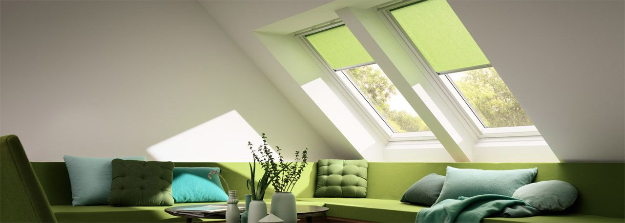 VELUX Sichtschutzrollo Duo grün Wohnzimmer Dachausbau