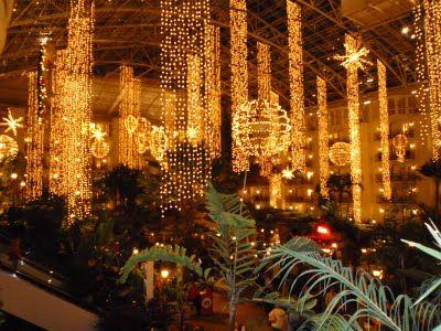 Mai Thai Wanderings: Christmas lights at Gaylord Opryland Hotel ...