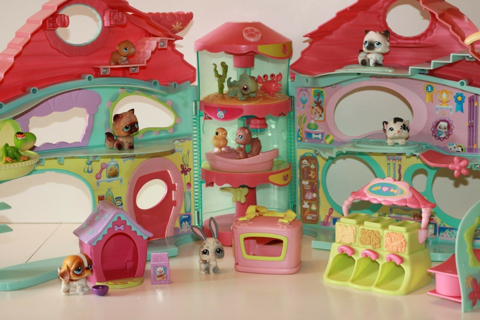 Biggest Littlest Pet Shop Lps House Play Set 10 Figures