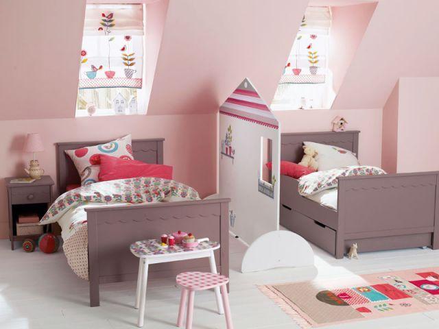 deux enfants une chambre huit solutions pour partager l 39 espace search petite fille and mobiles. Black Bedroom Furniture Sets. Home Design Ideas