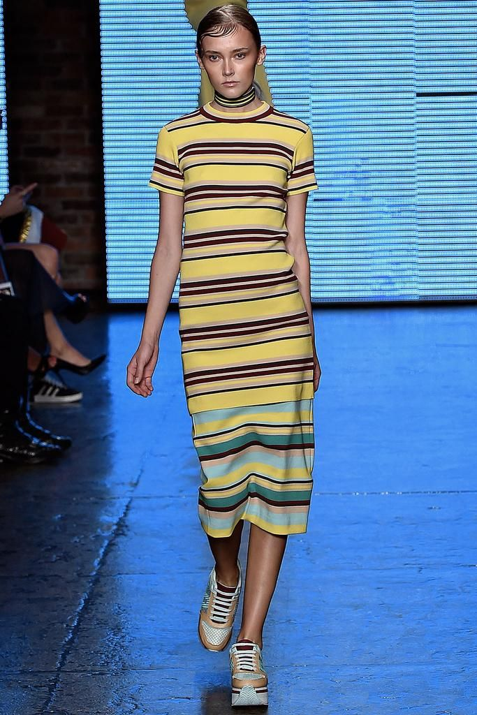 DKNY Spring 2015 Ready-to-Wear - Collection - Gallery - Look 6 - Style.com