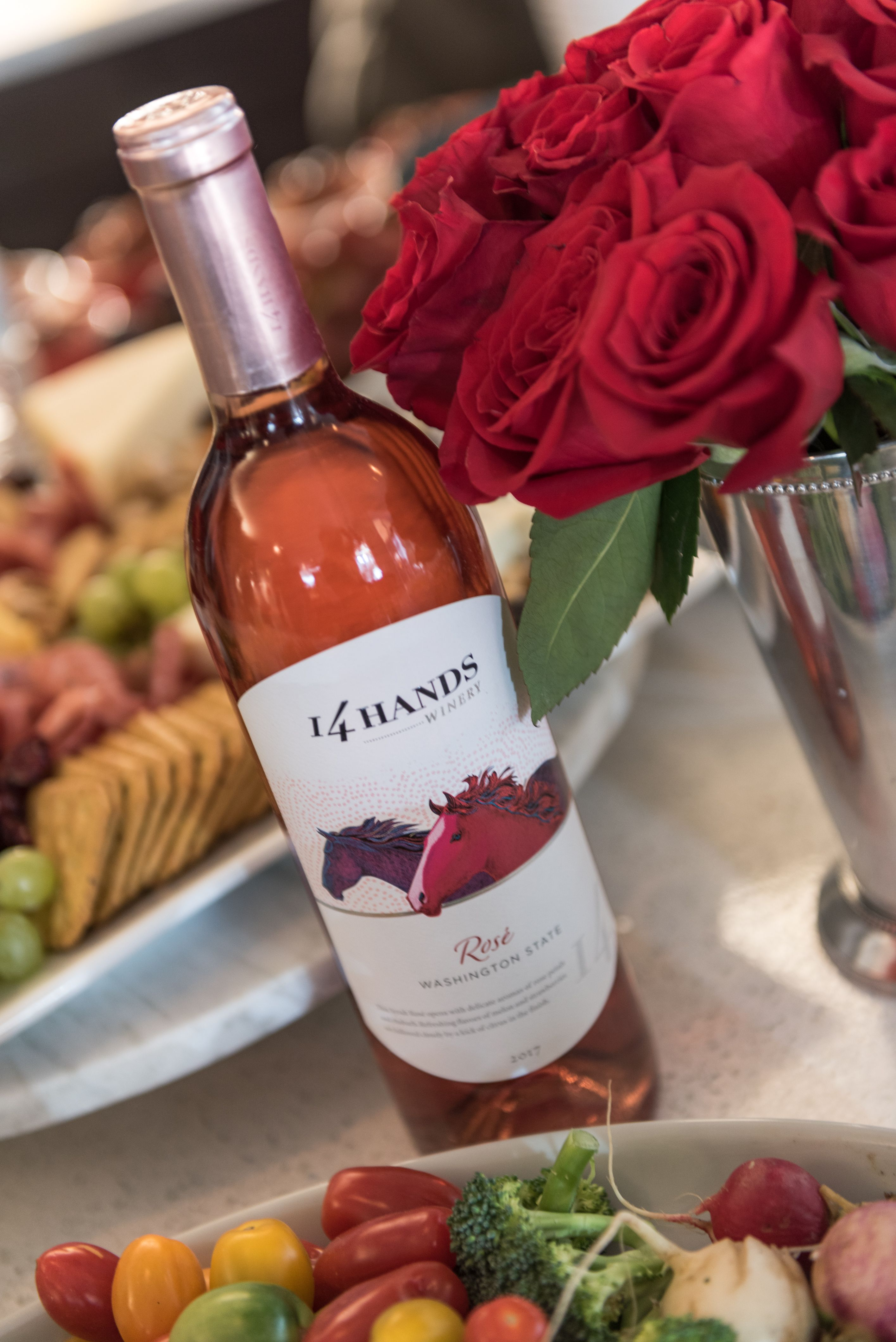 14 Hands Rose Party Wine Rose Wine Recipes Wine Wine Bottle