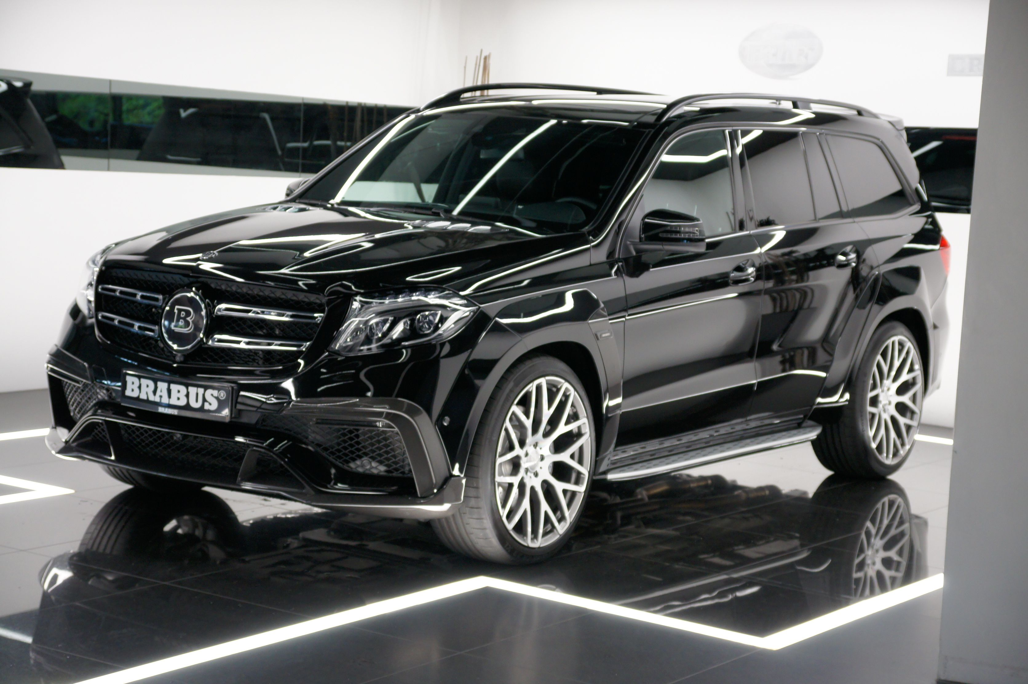 Full Option Mb Gls 63 Amg Brabus Widestar Bodykit Carbon