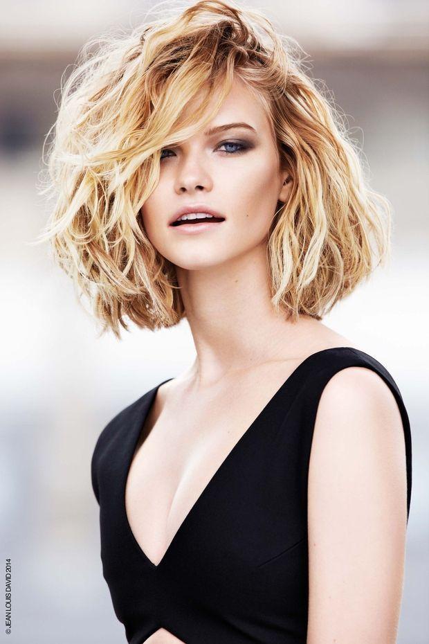 Coupe courte pour cheveux epais ondules