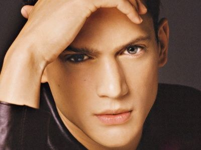 Look at me! Men Wentworth Miller wallpaper (click to view)