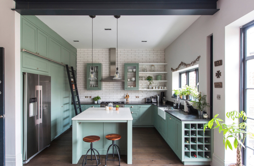 Best of Houzz: Should I Go for Floor-to-Ceiling Cabinets ...