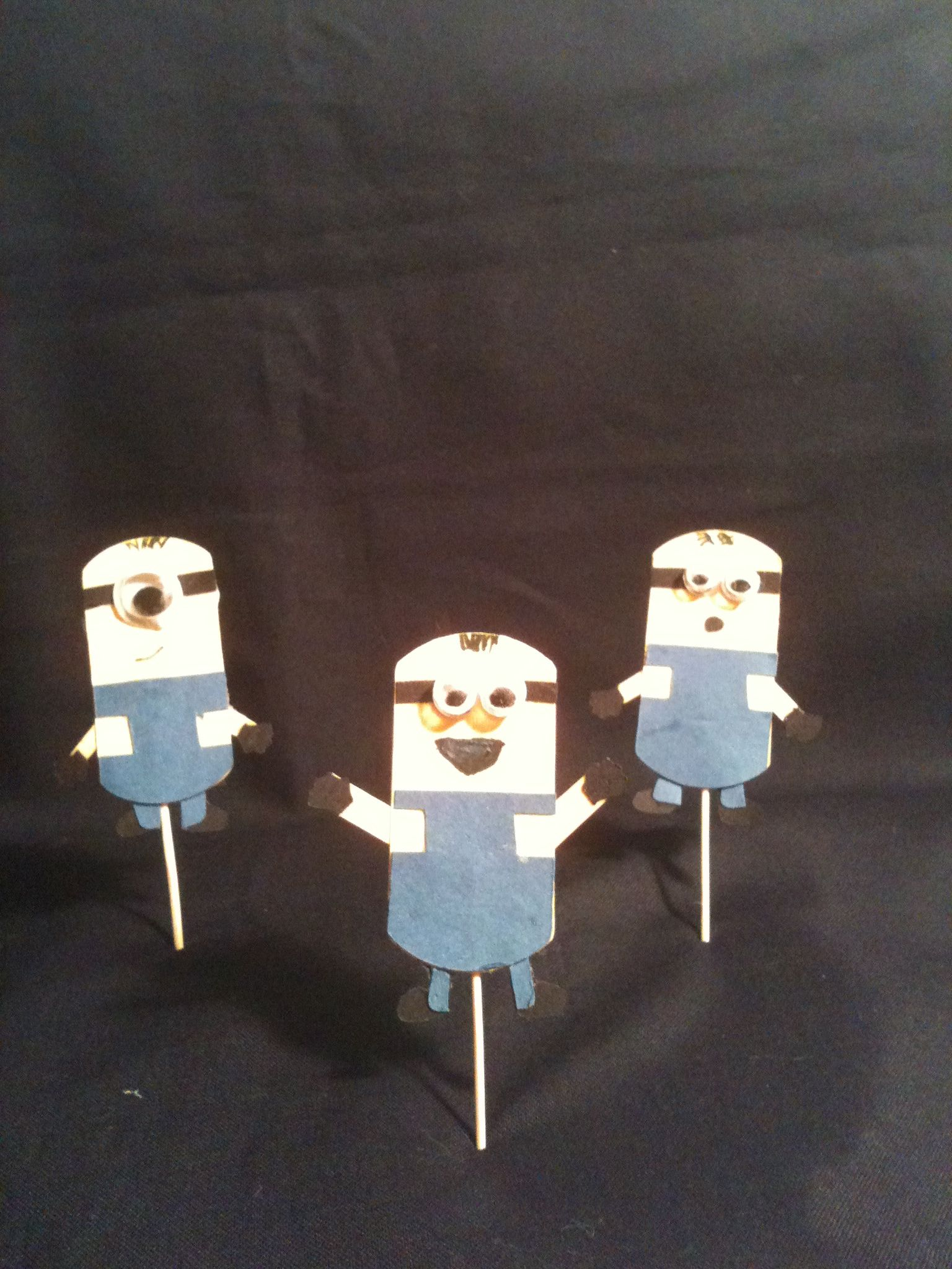 Minion cupcake toppers.... Find them on etsy.com