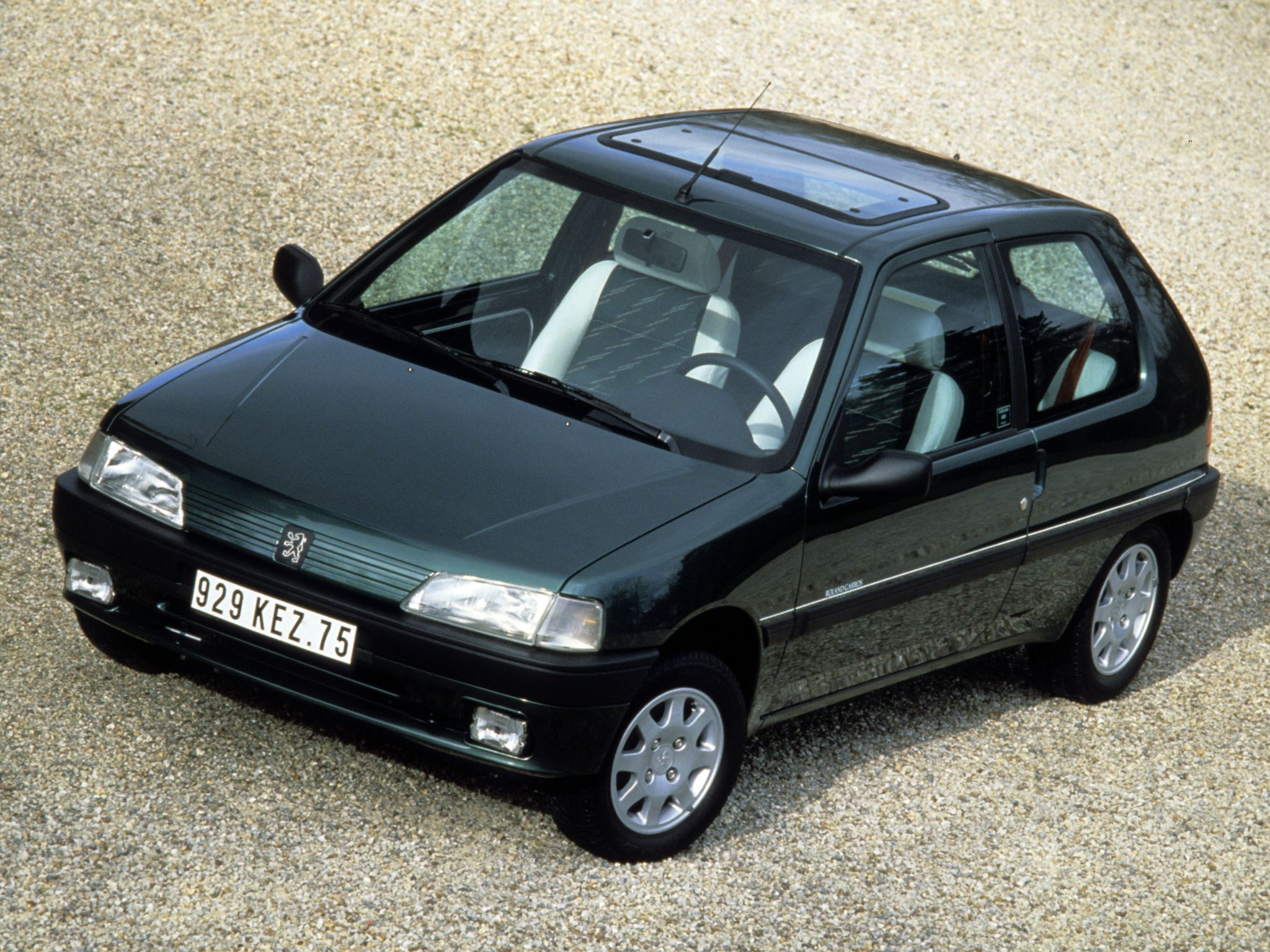 peugeot 106 roland garros 3 door 39 1993 traumautos peugeot autos und camionetas. Black Bedroom Furniture Sets. Home Design Ideas
