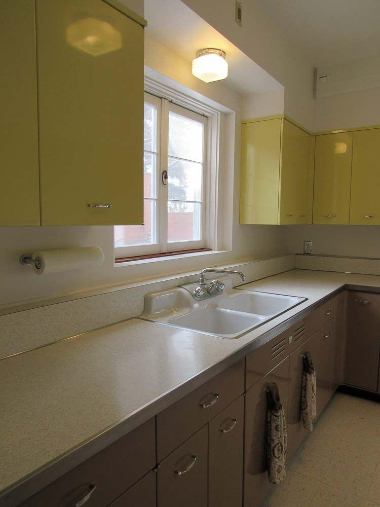 A 64 Year Old Geneva Kitchen That Looks Like It Was Installed Yesterday Kitchen Retro Renovation Steel Kitchen Cabinets