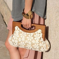 Crochet Bag With Wooden Handles Google Search Wooden Handle Bag Wooden Bag Crochet Bags Purses