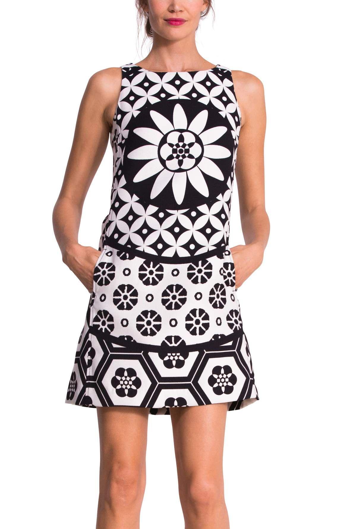 Robe chasuble noire et blanche | Desigual Inma | Dresses | Pinterest ...