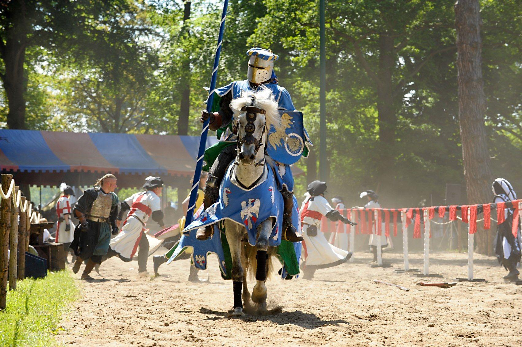 Ritter und Burgen | Ritter Und Burgen Aus Dem Mittelalter ...