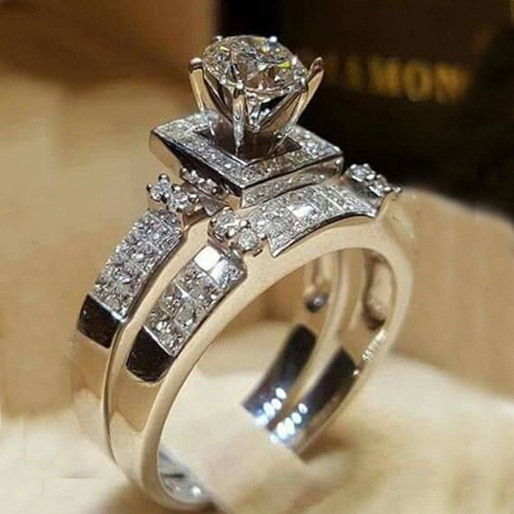 Luxury Rhinestone Solitaire Rings Micro Crystal Side Set Wedding Ring for Women