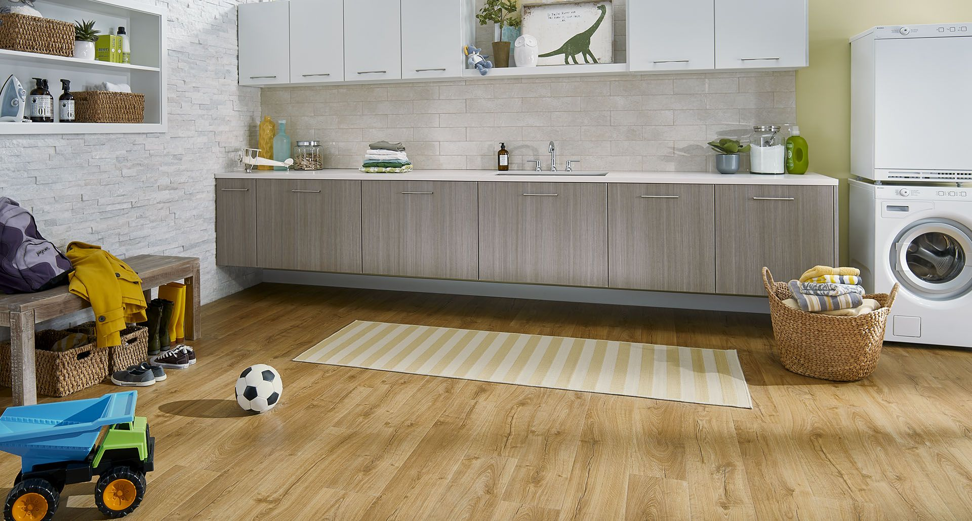 Vintage pewter oak pergo outlast laminate flooring pergo 174 flooring - Marigold Oak Natural Laminate Floor With Wear And Spill Protection Golden Oak Wood Finish Pergo