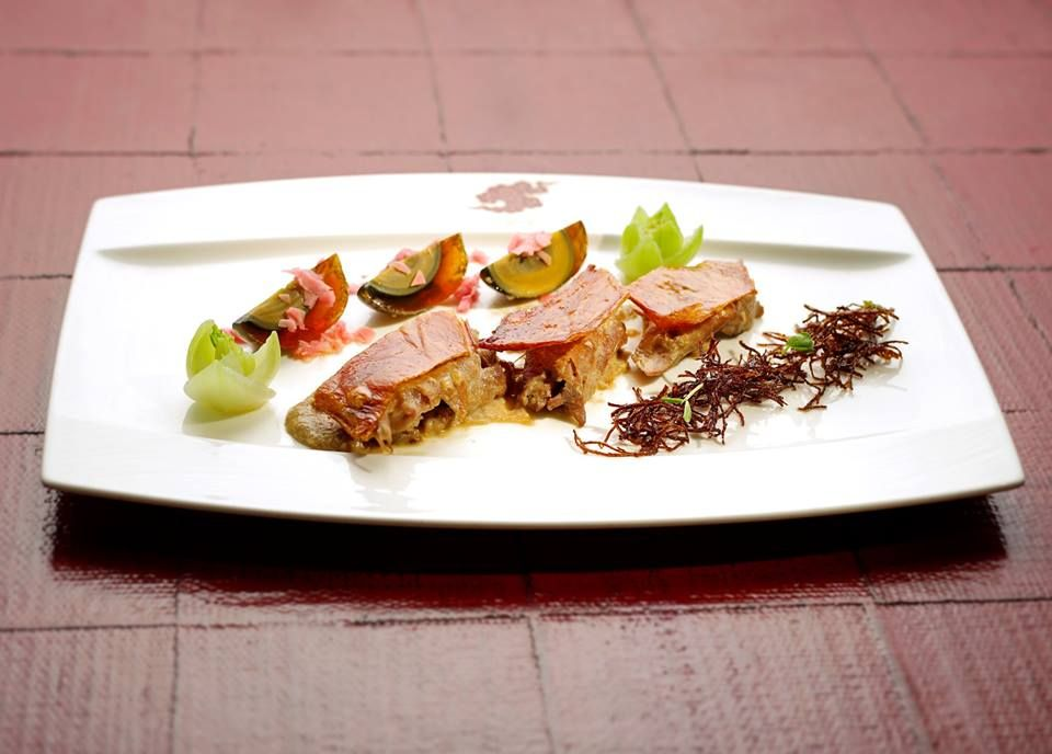 Best In Cantonese Fine Dining At Hong Kong S Hotels Food Inspiration Fine Dining Food
