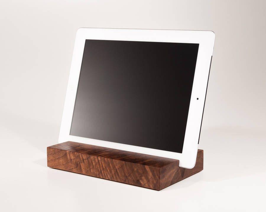 Halter Fur Ipads Und Tablets Aus Nussbaum Tablet Halterung Ipad Halterung Halterung