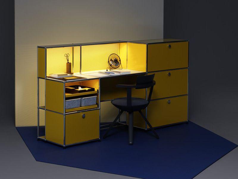 gelbfarbiger schreibtisch im schlichten design wallachmoebelhaus