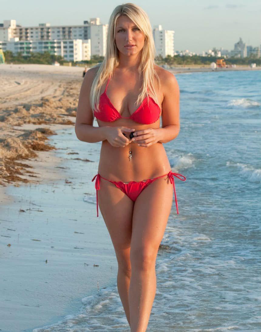 Necessary brooke hogan bikini bulge for that