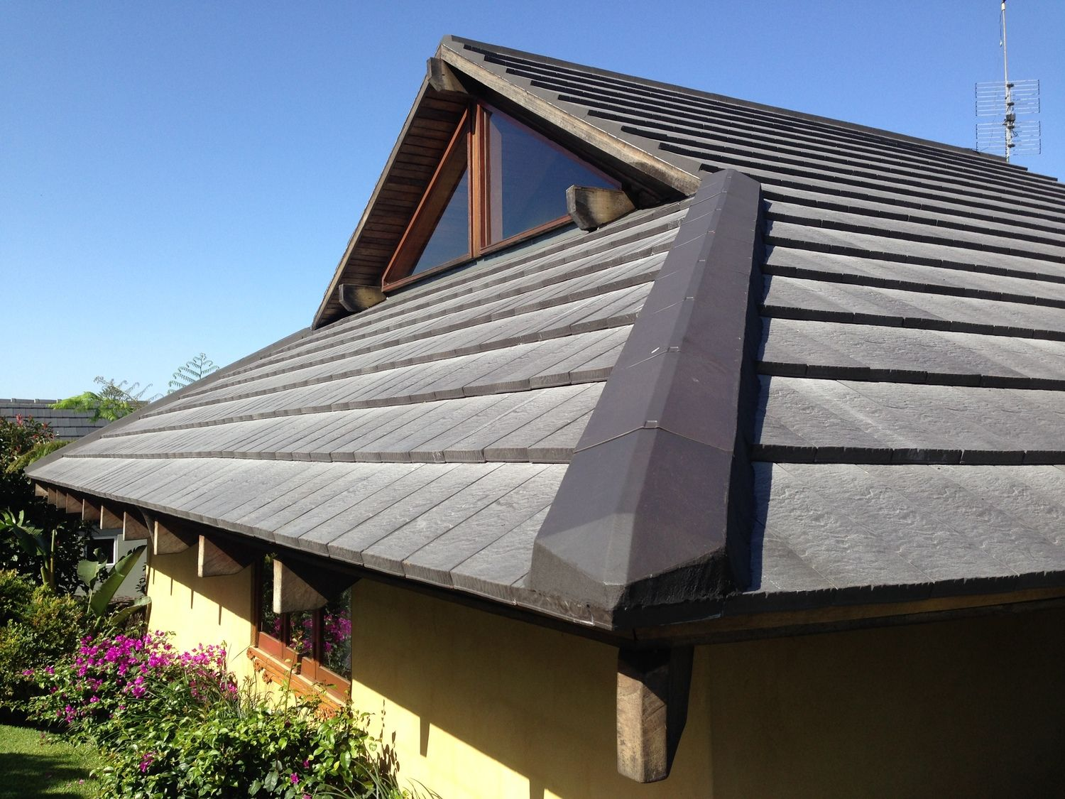 Slate Roof Tiles Installed And That Is The Ridge Cing Very Detailed Nicely Done