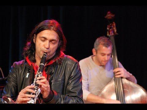 Arun Ghosh - Sufi Stomp (Soul of Sindh) - YouTube.  Арун Гош (Великобритания) – британский кларнетист, композитор и педагог индийского происхождения. В своей музыке соединяет элементы джаза, world music, индийского фольклора, западной академической музыки, хип-хопа, рока и авангарда.