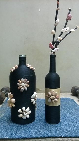 My New Work On Glass Bottles With Thread And Seashells Wine Bottle Diy Crafts Glass Bottles Bottles Decoration