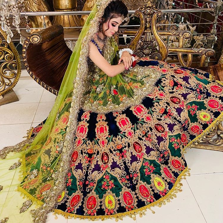 A Sneak Peek Of Kashees Unique Bridal Collection With Detailed Embellishments Combined Beautifu Pakistani Bridal Wear Pakistani Bridal Dresses Pakistani Bridal
