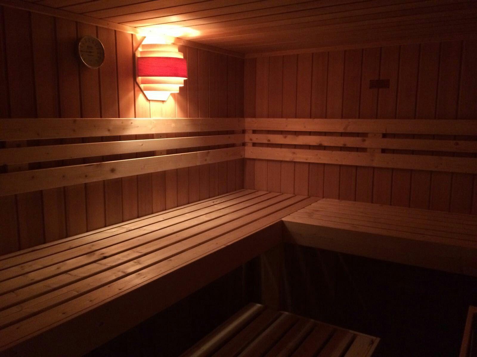 Selbstgebaute Saunabänke   Stephy\'s Wohntraum ♤   Pinterest