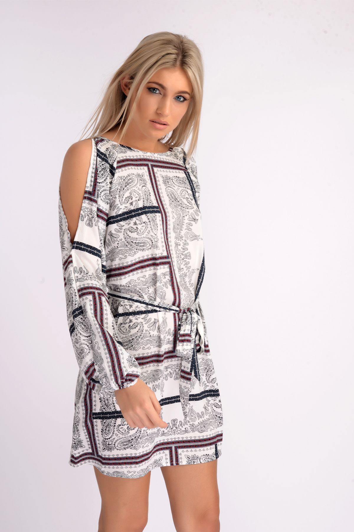 Wear you Trendswould a peekaboo lace dress advise to wear for summer in 2019