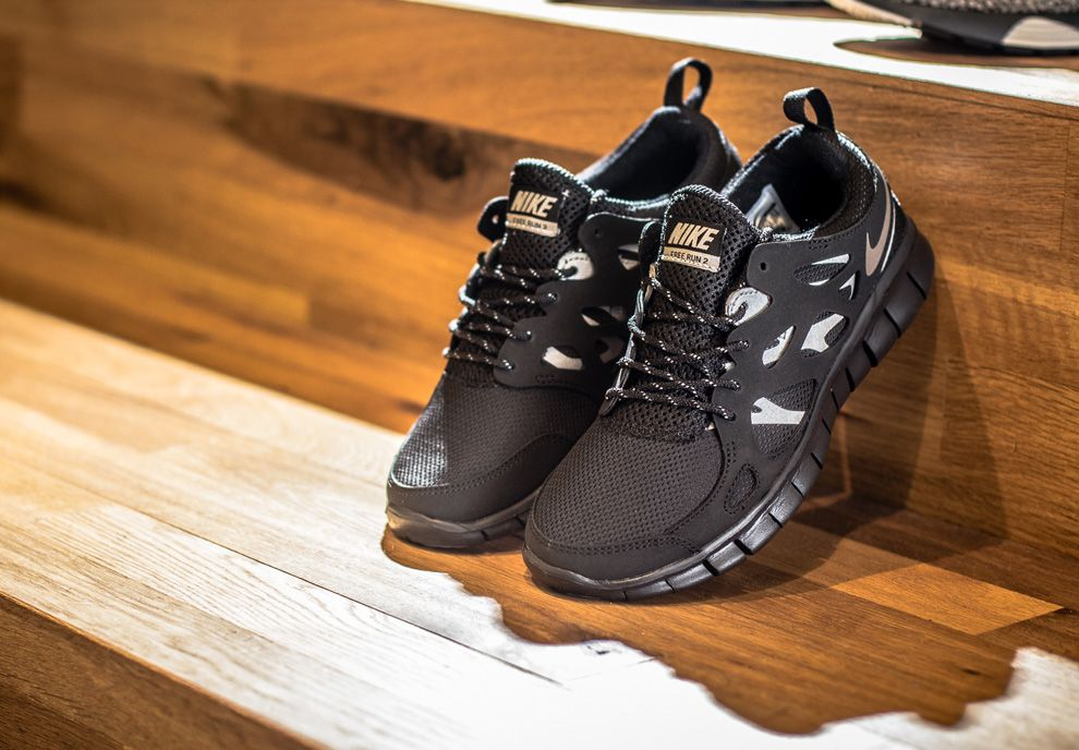 cheap for discount ada82 f3096 Nike Free Run 2 GS - Black   Metallic Silver