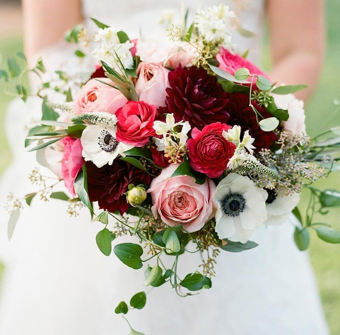 Christmas Wedding Flower Ideas: Bright Shades Of Pinks For Bouquet In 2019