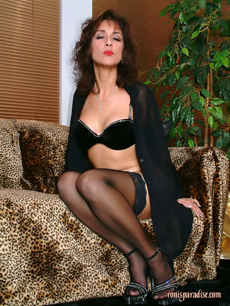 Ronis Paradise Milf Ele pinjennifer on just roni ford | pinterest | stockings