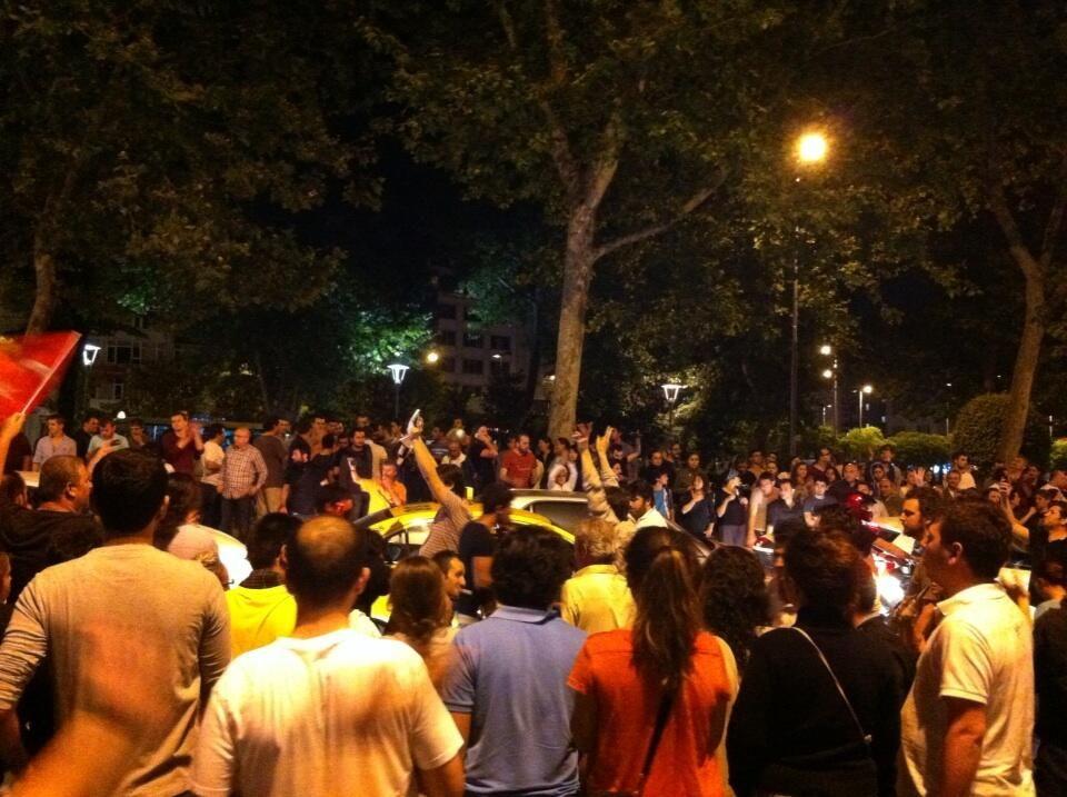 #SesVerTürkiyeBuÜlkeSahipsizDeğil #KORKAKMEDYA #occupytaksim #direngaziparki #diriliş  #occupygezi
