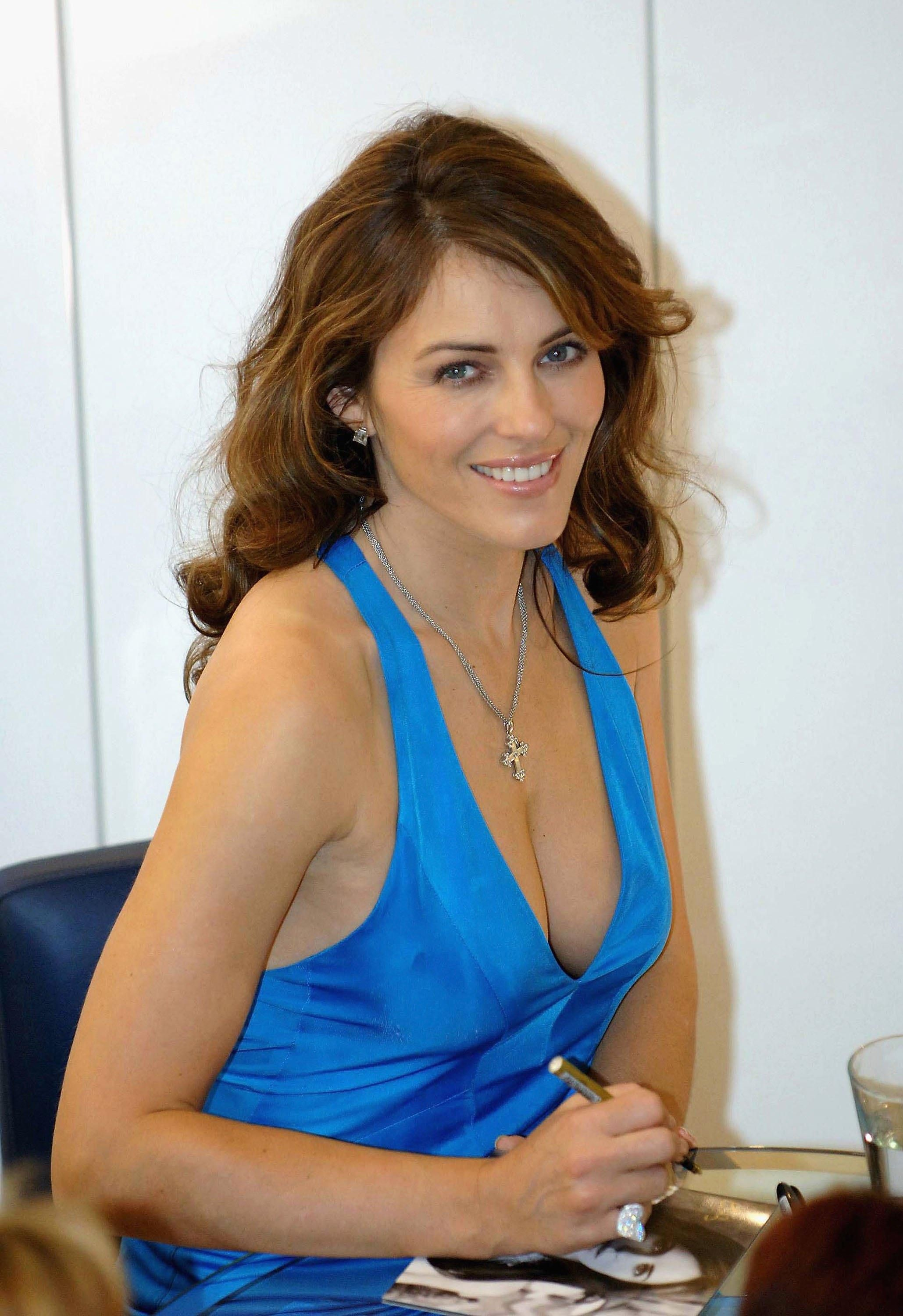 Celebrites Elizabeth Hurley naked (97 photo), Pussy, Is a cute, Selfie, in bikini 2018