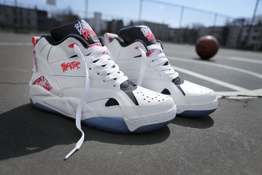 ee52fa7b0643 One of the very first streetball shoes built for the outdoor game ...