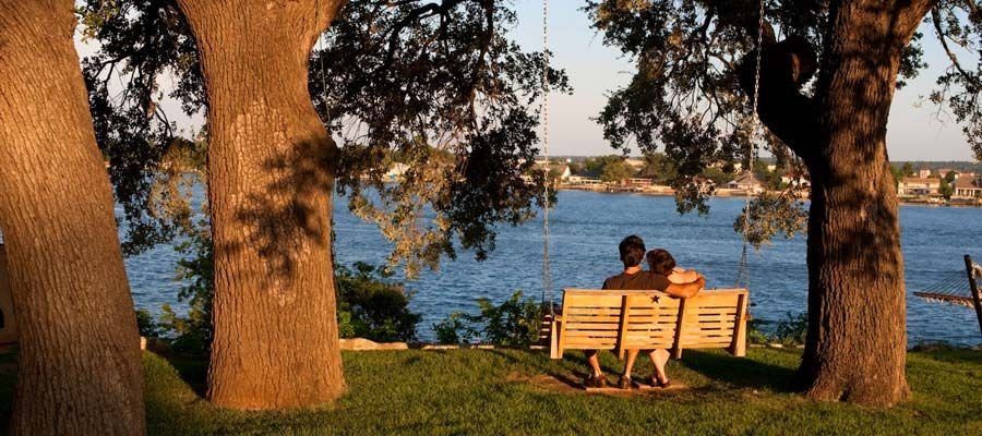 Romantic Texas Lake Getaway Inn On Lake Granbury A Select