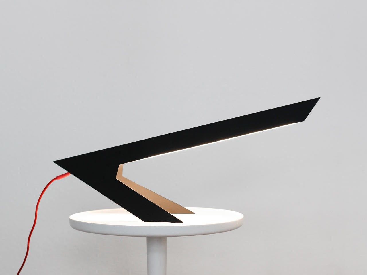 Le designer berlinois hayo gebauer a conçu une lampe de bureau