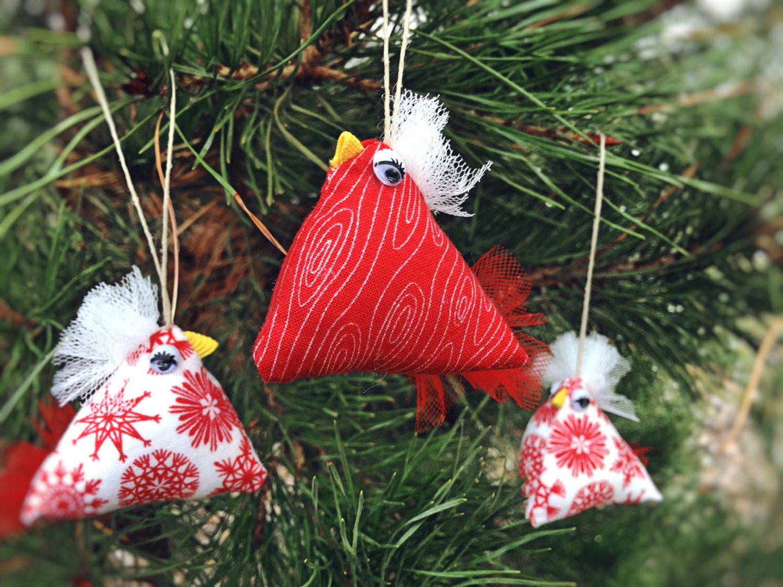 Chicken christmas ornaments - Chicken Christmas Ornaments Set Of 3 Red And White Chicken Ornaments Stuffed