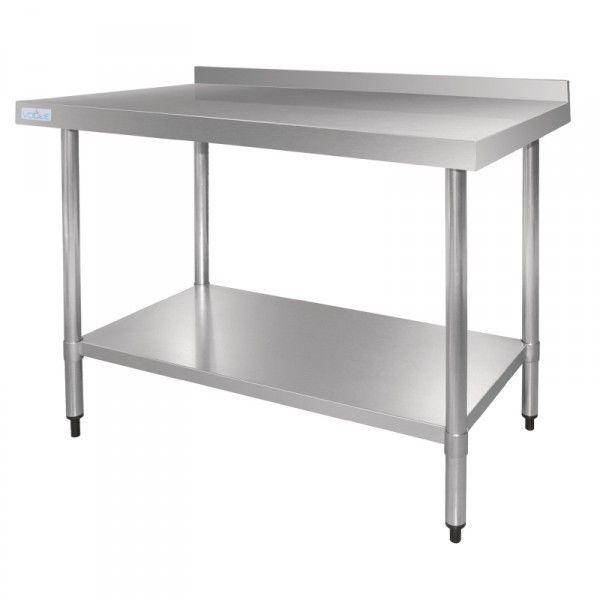 Las mesas de trabajo de cocina de un bar o restaurante deben ...