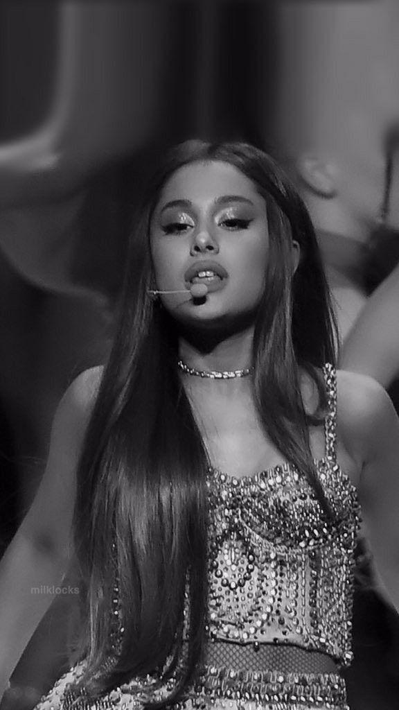 Pin By Mysticalrosewolf On Ariana Grande Ariana Grande Wallpaper
