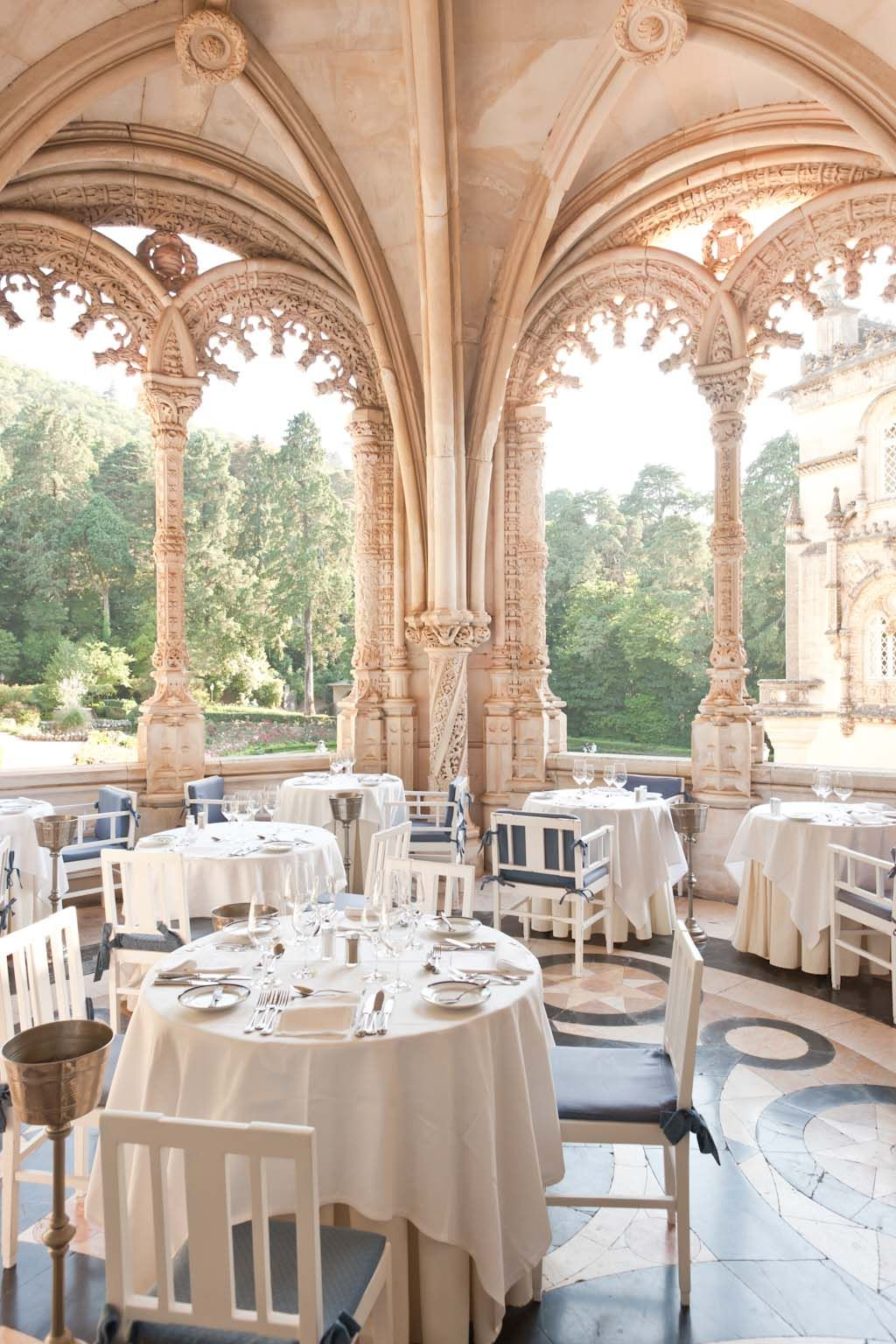Hotel Palace do Buçaco, Portugal – Eating outside